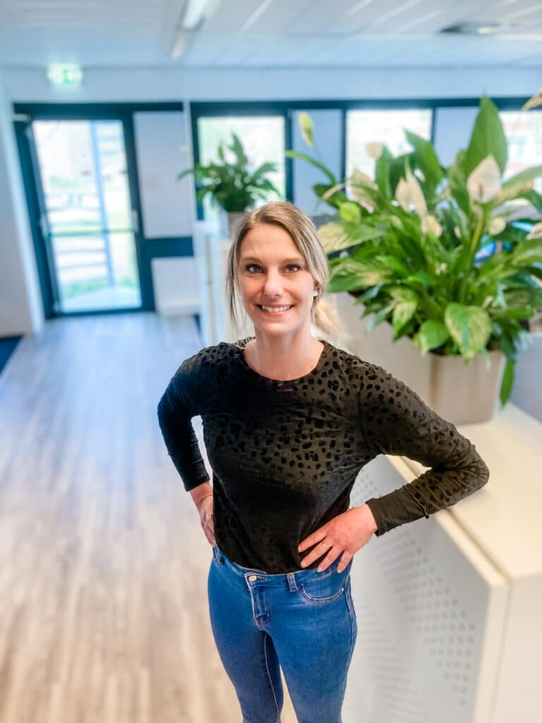 Medewerker van Quality Contacts Michelle facilitair coordinator