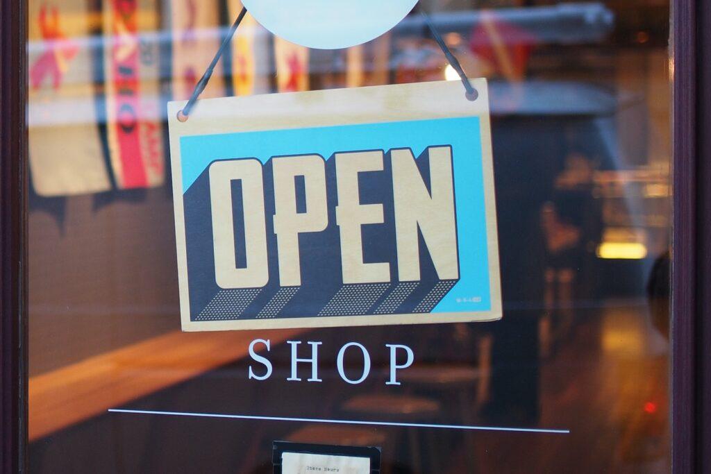 Winkels die recall doen zijn vaak al open en moeten dan snel gebeld worden