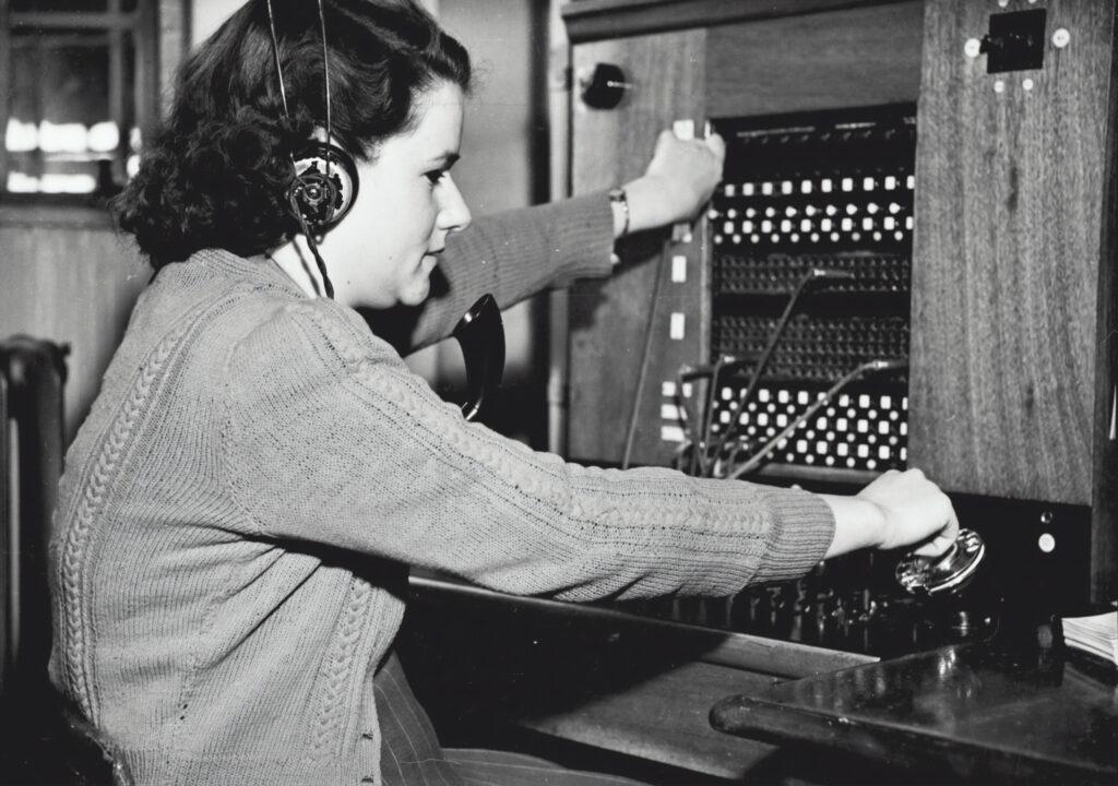 Telefooncentrale operator, switchboard operator
