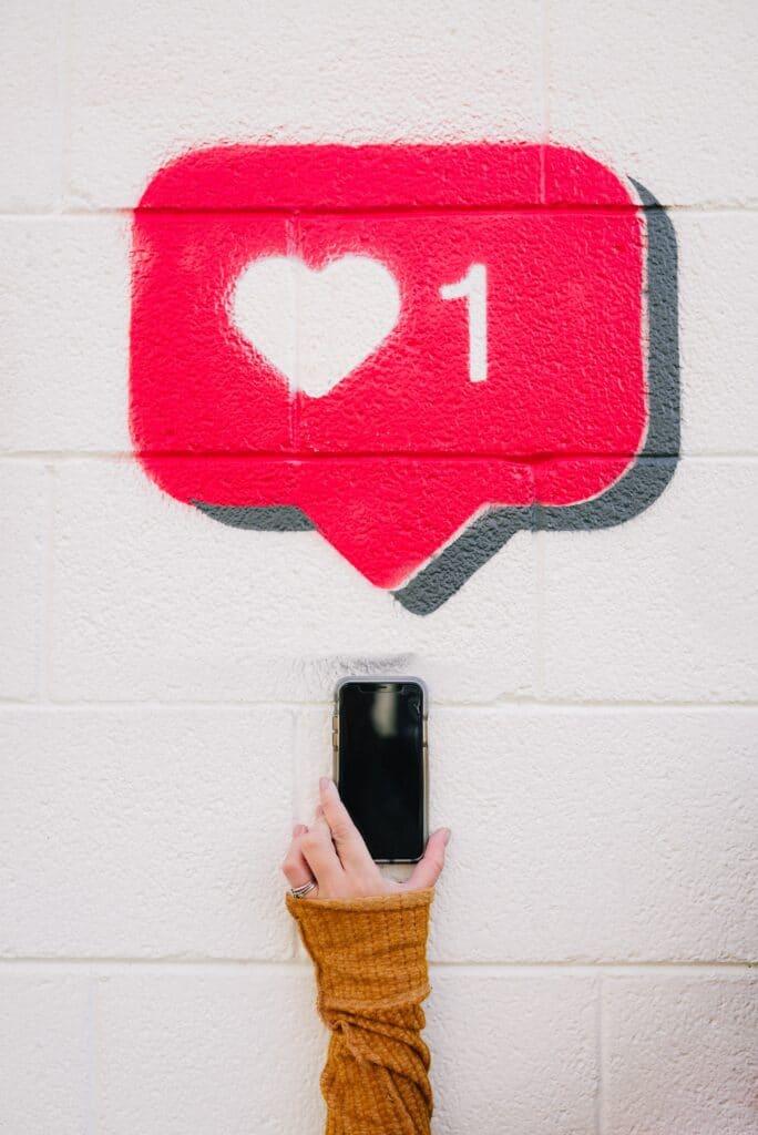 Webcare likes op een mobiele telefoon